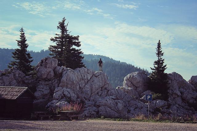 mountains-1264538_640